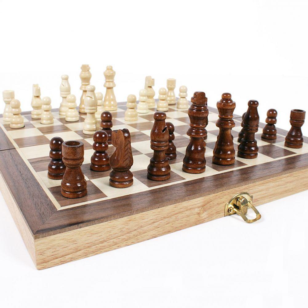 Dřevěné šachy